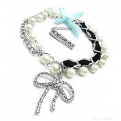 Pearl Beauty Dog Necklace - Be a Glamour Doggy! Youre puppy will shine in this beautiful necklace.